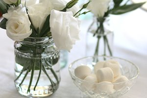 white flowers on tablescape