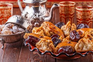 Moroccan tea with sweets
