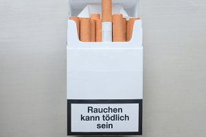 Smoking harms your lungs