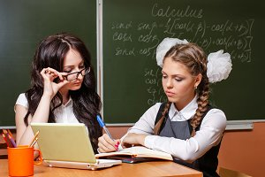 Teacher checks the decision lesson