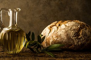 Virgin olive oil and rustic bread