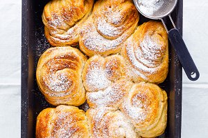 hot rolls buns with cinnamon