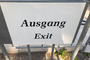 Ausgang sign meaning exit