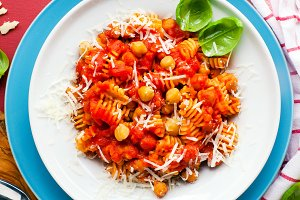 Healthy Italian pasta with tomatoes