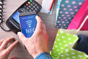 Paying shopping with mobile phone