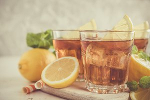 Iced tea with lemon and mint