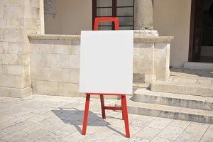 Blank easel background