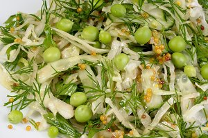 Cabbage salad with peas