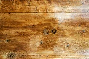 Varnished wood