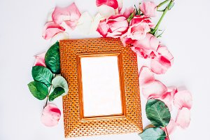 Gold frame with roses I Styled stock