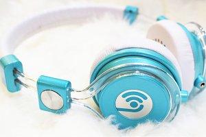 Headphones Turquoise White Shag 001