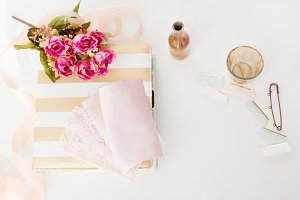 Blush desk accessories IStyled Stock