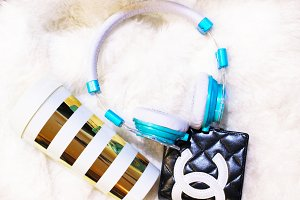 Gold strip Mug Headphones chanel