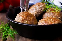 Grilled meat cutlets