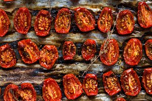 Dried tomatoes pattern
