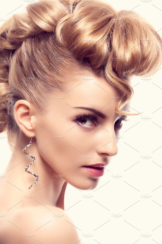 Fashion Mohawk Hairstyle Makeup Creative Unusual Beauty