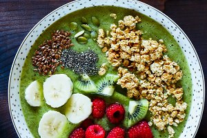 Breakfast kiwi smoothie