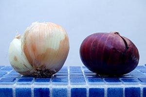 white onion and purple onion