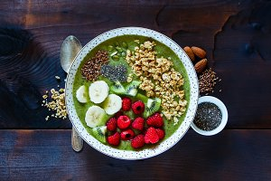 Breakfast kiwi smoothie