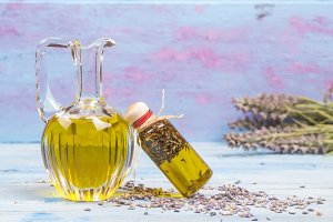 Olive oil flavored with lavender