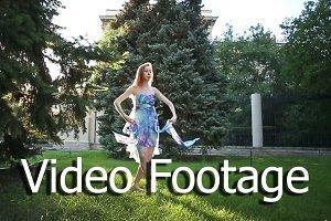 Ballerina dancing in park
