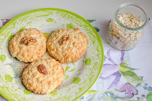 Cookies with oat flakes.