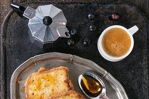 Toasts with espresso