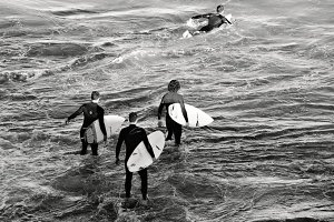 Surfers coming on the stage