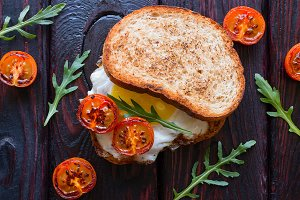 sandwich with fried egg