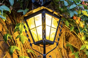 Solar decorative lamps