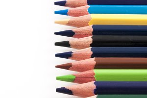 Color pencils in perfect vertical