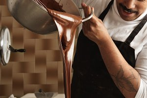 Artisan chocolate cooking