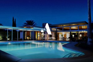 Avenue Hotel / Luxury logo