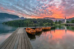Bohinj lake before dramatic sunrise