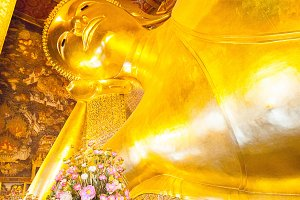 Buddha gold statue in Wat Pho