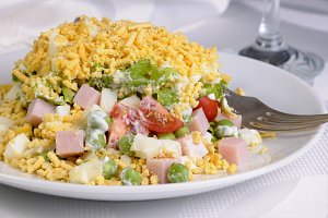 Many Ingredient salad