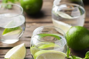 Water with lime and mint