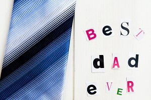 "Letters ""Best Dad Ever"" and Tie"