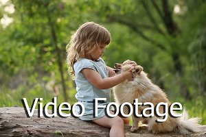 Little girl kisses in nose Spitz