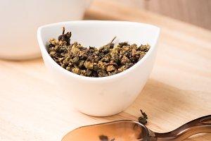 dry tea leaf