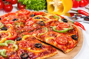Pizza with tomatoes and peppers