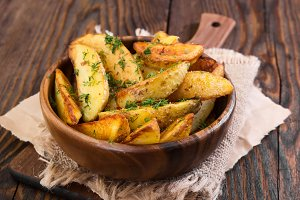 Potato country style with dill