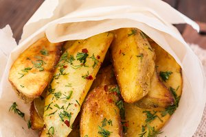 Potato wedges with dill