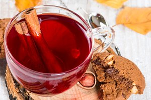 Flavored fruit tea with cinnamon