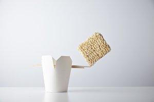 Noodles simple takeaway retail set