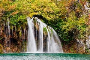 Falls in Autumn Mountains