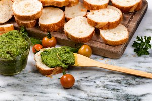 Fresh Pesto and Bread