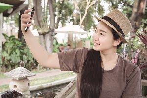 woman selfie in the park
