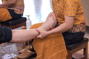 reflexology foot massage in spa