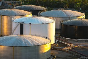 Oil storage tank, Refinery plant